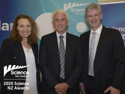 Bruce Warburton (centre) with MW board member Prof. Emily Parker and MW CEO Dr Richard Gordon