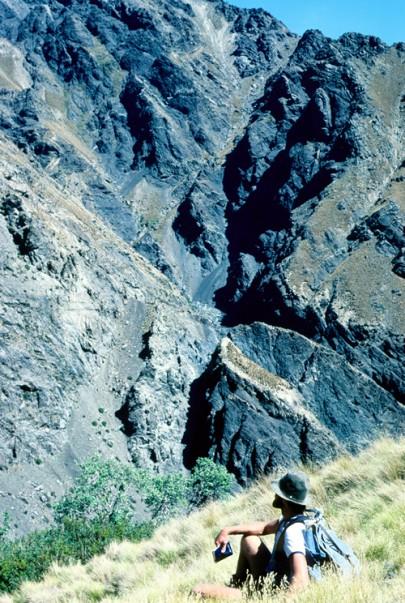 Acidic cliffs on the Inland Kaikoura Range (PeterWilliams)